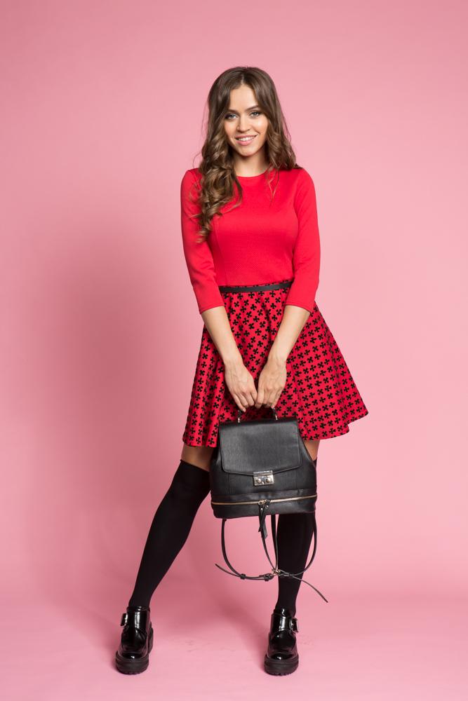 043 Платье красное